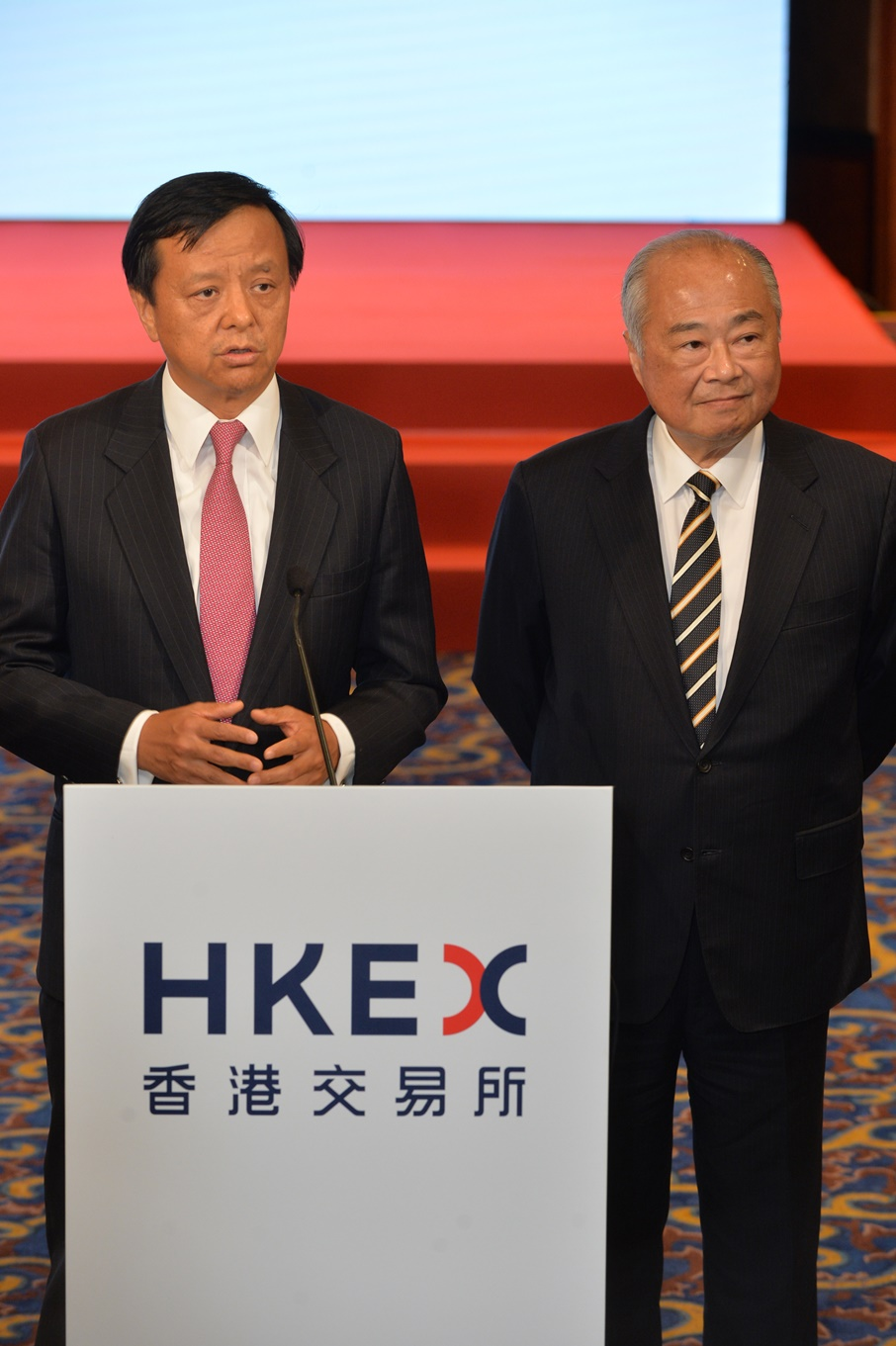 HKEX Chief Executive Charles Li (left) and Chairman C K Chow (right) took media questions at HKEX's 16th anniversary celebration on 28 June 2016.